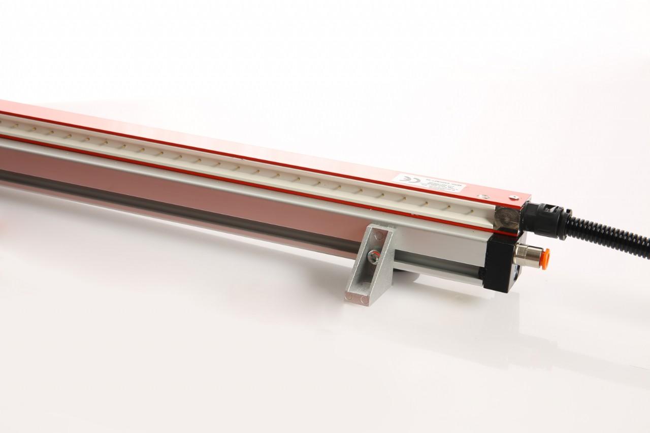 Barre  antistatiche con  ausilio aria compressa - MOD  CND/SF1-30